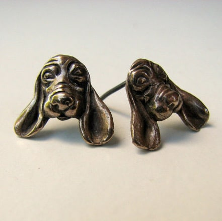 Anna Siivonen - Basset dog earrings-0
